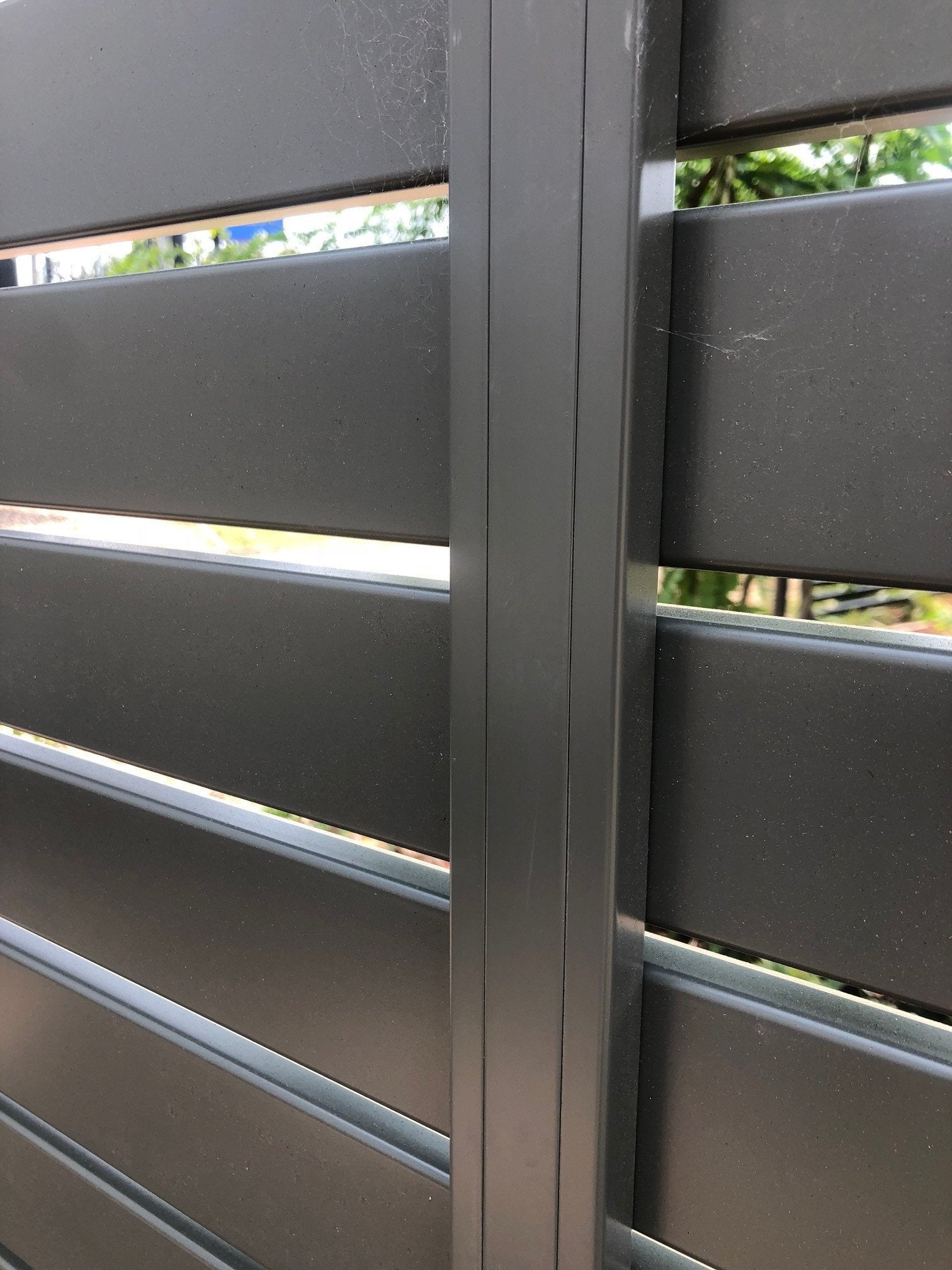 Aluminium Slat Fence - Middle Brace Bar